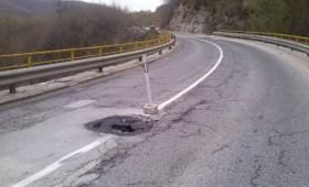 Забранет сообраќајот за камиони на патот Кичево – Скопје