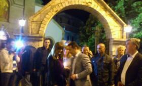 ФОТО: Премиерот Груевски го дочека Велигден со семејството помеѓу кичевчани