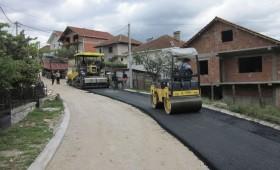 Асфалтирани 14 улици во Македонски Брод