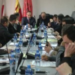 Советот на општина Кичево без решение за проблемот со греењето на две училишта