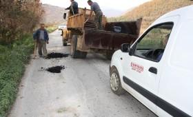 Општина Демир Хисар ги санира ударните дупки на патот за с. Вирово