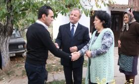 Претставник од Министерството за труд и социјална политика го посети семејството Ристевски