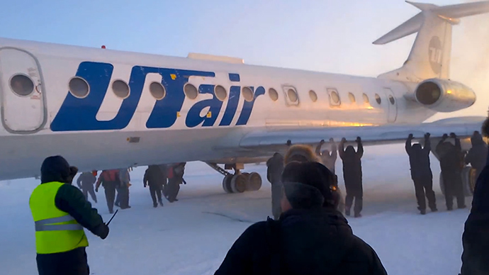 russia-plane-passengers-starting